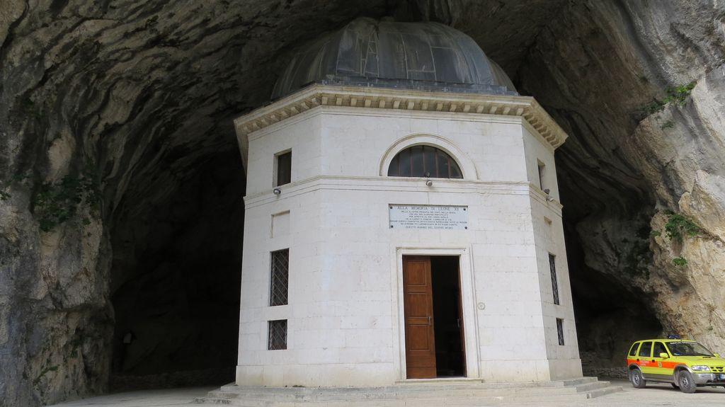 tempio del valadier Marche