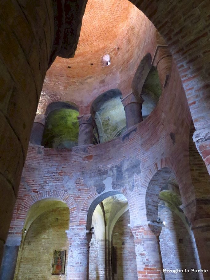 Rotonda di San Lorenzo Mantova Interno
