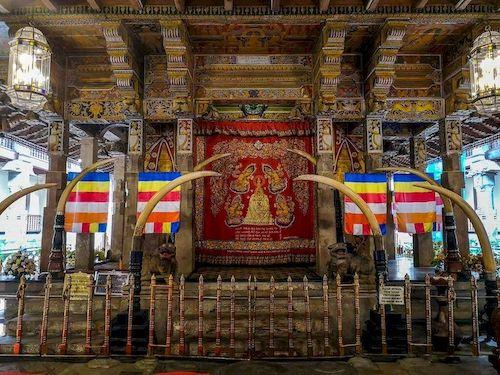 tempio del sacro dente kandy