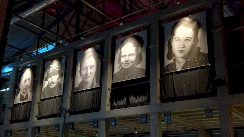 museo dell'insurrezione di Varsavia fotografie