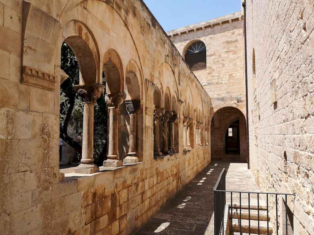 chiostro monastero di san benedetto conversano