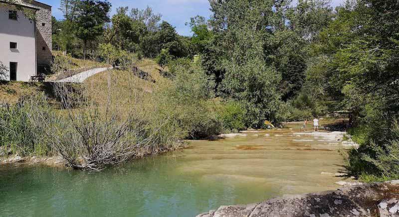 piscina naturale borgo pace